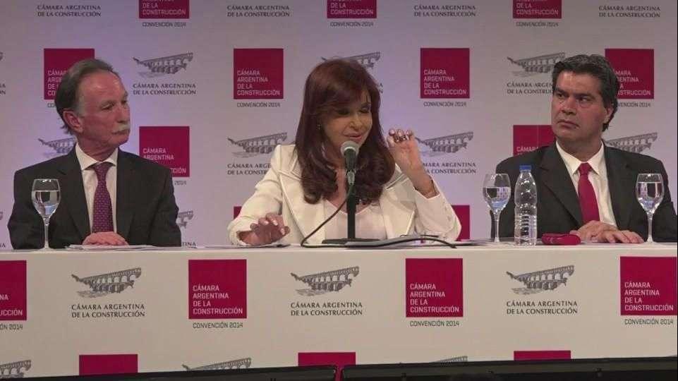 Kirchner regresa y promueve acuerdo con acreedores