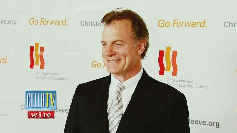 Stephen Collins Confesses to Sexual Abuse