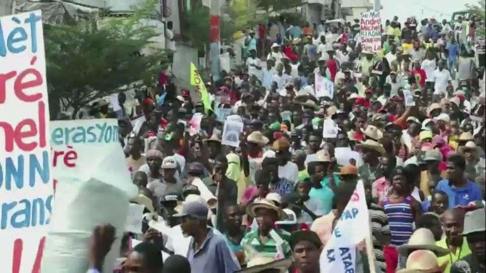 Haitianos piden dimisión del presidente
