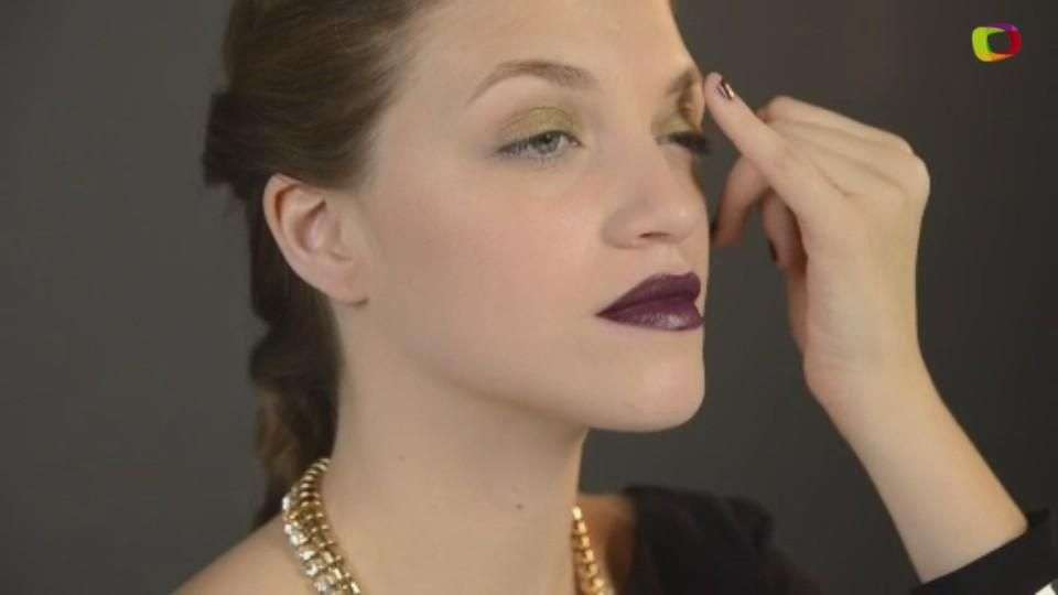 Glamour intenso: Maquillaje sexy con obscuros