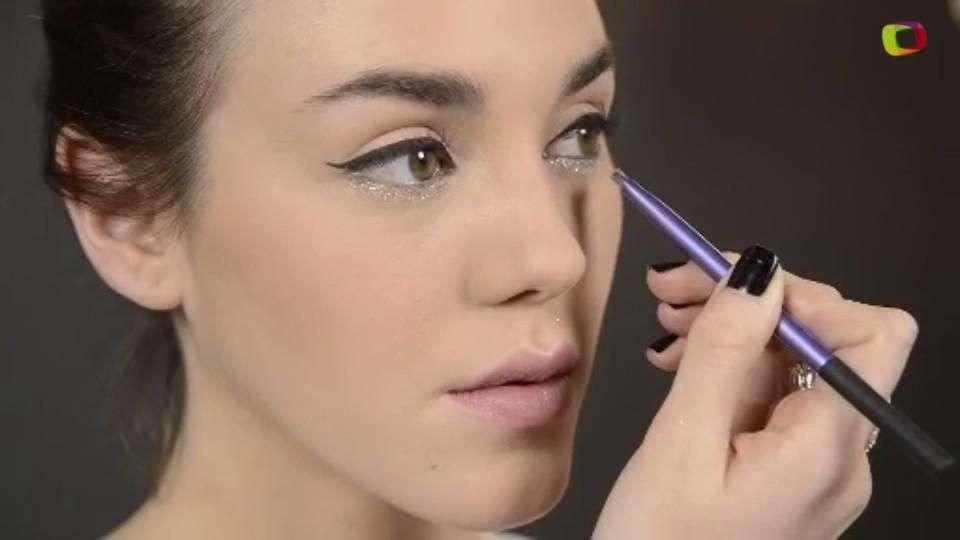 Look impactante: Delineador de ojos con glitter
