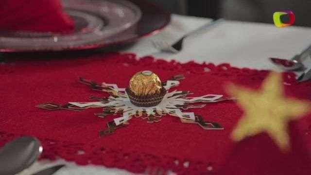 Haz copos de nieve de papel para decorar tu mesa de Navidad