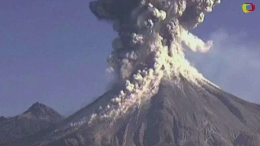 Espectacular explosión del 'Volcán de Fuego' en México