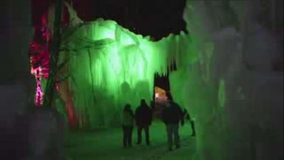 Castillos de hielo en Vermont se llenan de jazz y luz