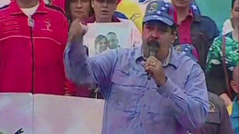 Maduro acusa a ex presidente Felipe Calderón de golpista