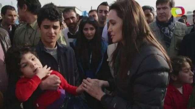Angelina Jolie visita a desplazados en Irak