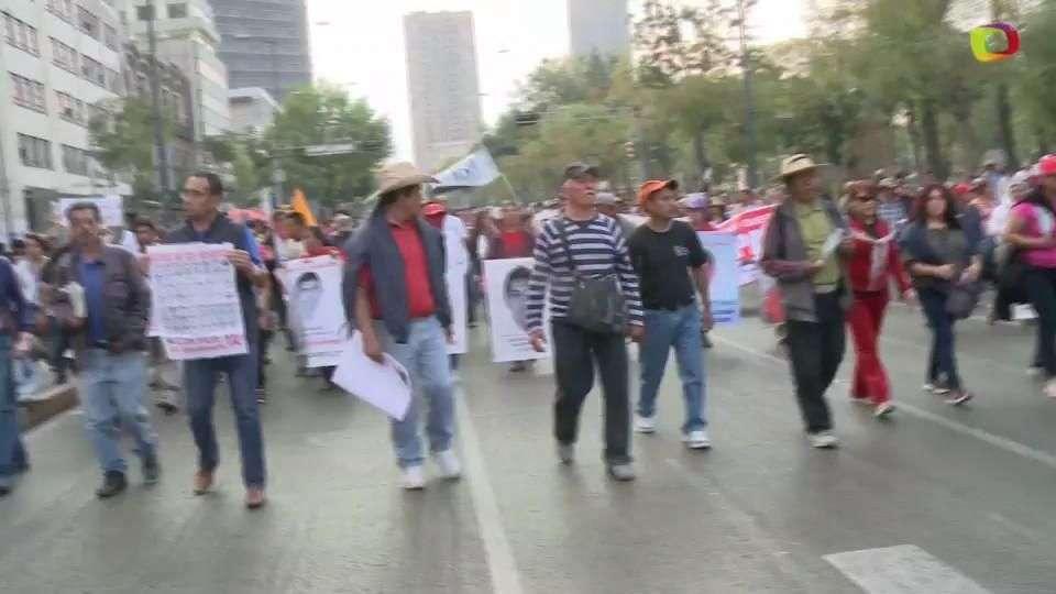 Marchas a cuatro meses de la desaparición de los normalistas