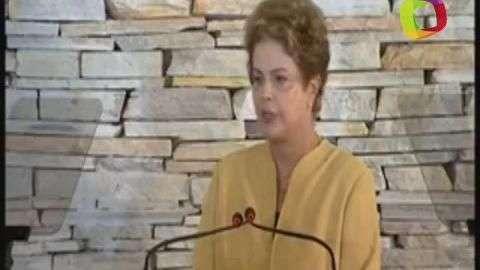 """Rousseff pide a ministros hacer """"más con menos"""""""