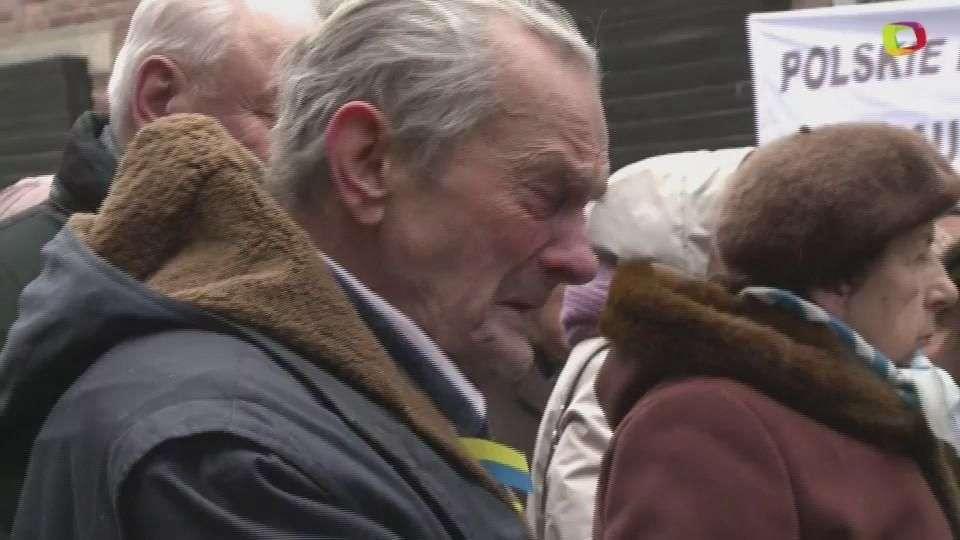 Sobrevivientes regresan a Auschwitz