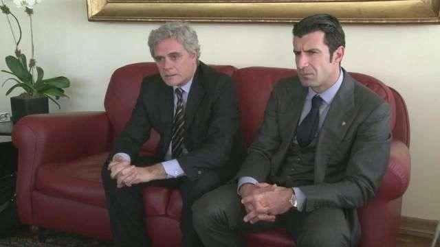 Figo se presenta a presidir la FIFA