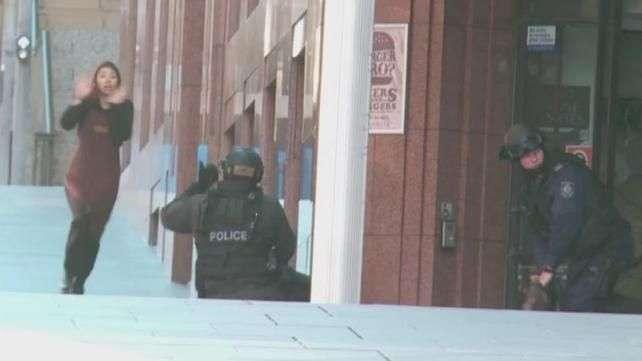 Balas de policía mataron rehén en Sídney