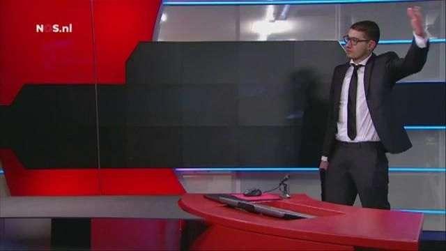 Un joven armado en set de TV holandesa