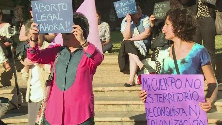 Mujeres chilenas aún sin derecho al aborto
