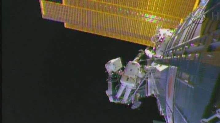 Salida orbital de astronautas para trabajar en la ISS
