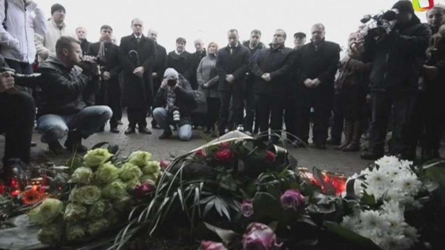 Tributo a muertos de tiroteo en Praga