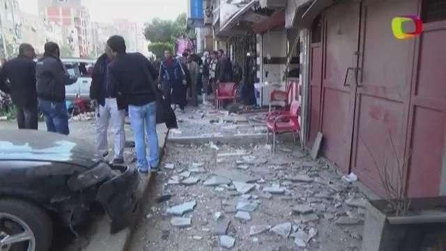 Un muerto en una ola de explosiones en El Cairo