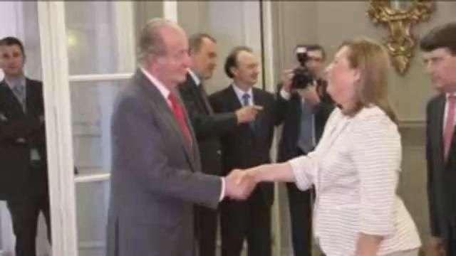 El Rey Don Juan Carlos recibe a la comunidad española en...