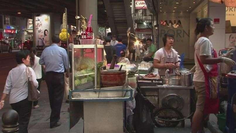 El drama de los puestos callejeros de Bangkok