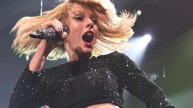 Taylor Swift, más ridícula que nunca