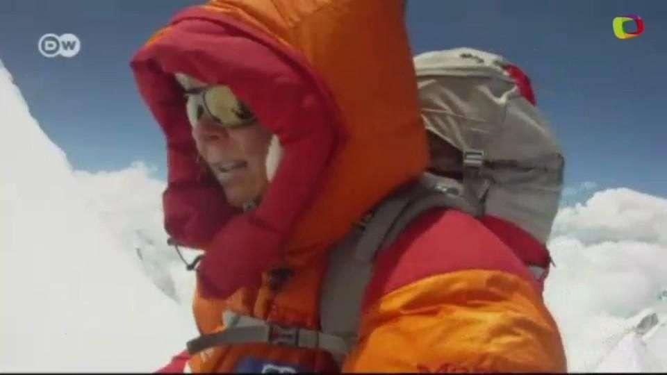 En las cumbres: La escaladora