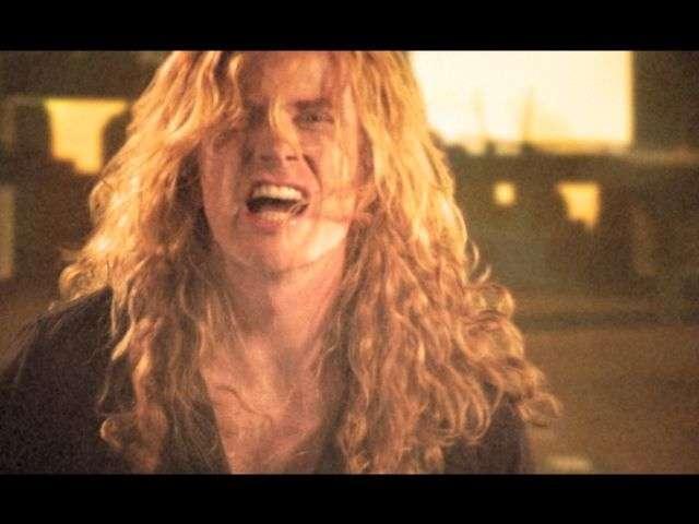 Never Walk Alone..A Call To Arms, por Megadeth