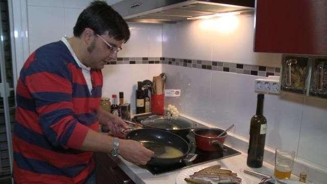 Cocinamos con Alfonso unas navajas 'de rechupete'