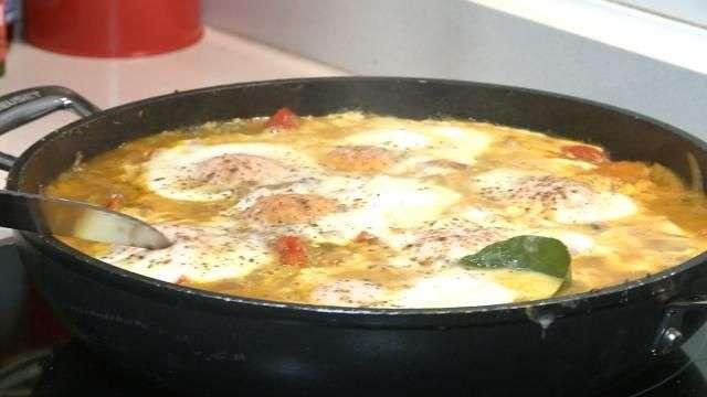 Alfonso cocina una 'Shakshuka' de Rechupete