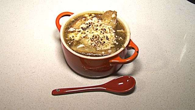 Cocinamos una rica sopa de cebolla