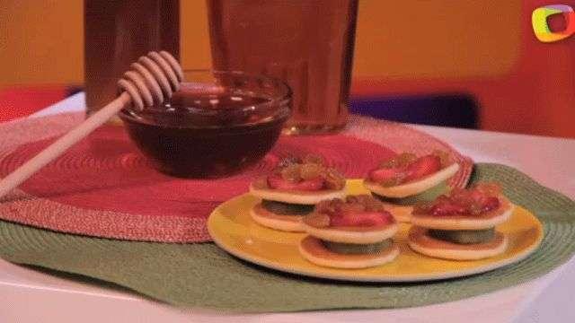 Sándwiches de Fresas y Kiwi con Glaseado de Miel