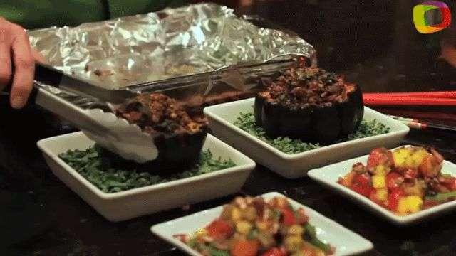 Calabazas rellenas de quínoa, arroz integral y lentejas negras