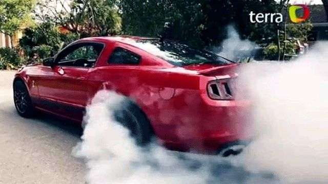 Video: Ford Mustang Shelby GT500 2013