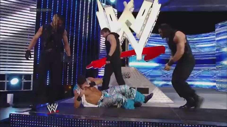 SmackDown: The Shield arrasa a Fandango antes de que comience su combate