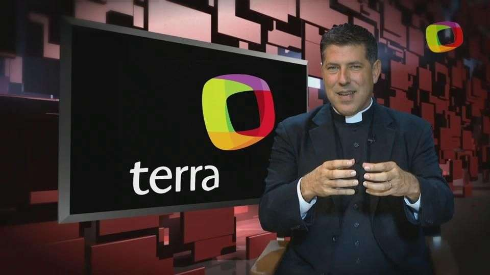 Consejos Padre Alberto: 'Cómo ayudar a un ser querido a salir de las adicciones'