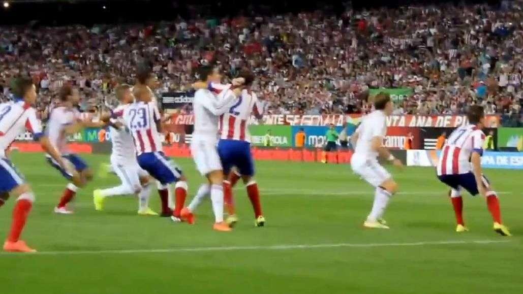 Así fue la brutal agresión de Cristiano Ronaldo a Diego Godín