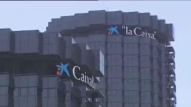Caixabank compra el negocio de Barclays en España por 800 millones de euros