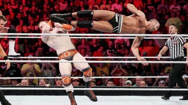 RAW: Cesaro y The Miz ganan prestigio ante dos campeones