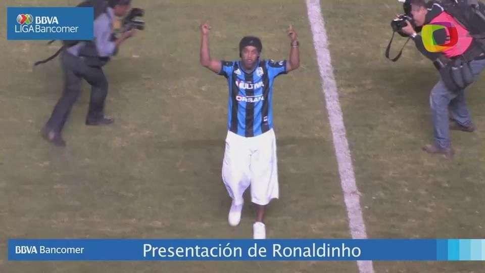 Presentación de Ronaldinho en la Corregidora