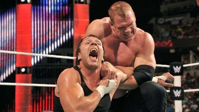 RAW: Ambrose buscaba a Rollins, pero se tuvo que conformar con Kane