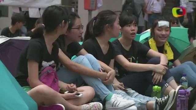 Hong Kong: Manifestantes mantienen presión sobre Pekín