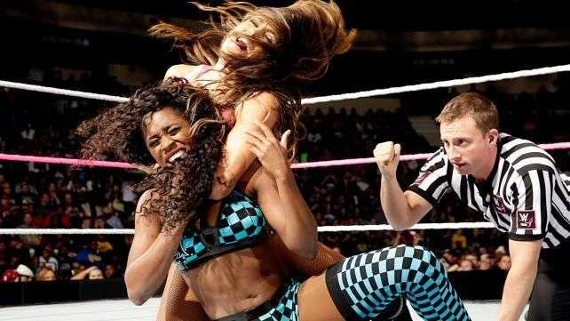 SmackDown: Nikki Bella se pone en forma antes de Hell in a Cell