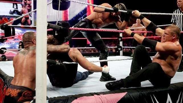 RAW: La Autoridad (y Seth Rollins) salen reforzados ante Ambrose y Cena