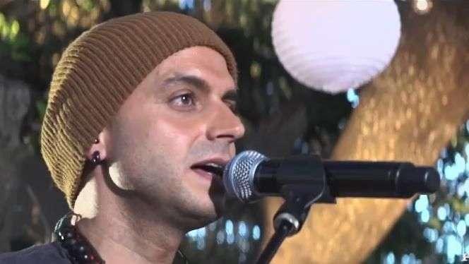 Sie7e canta en Home Sessions 'Te Regalo Una Promesa'