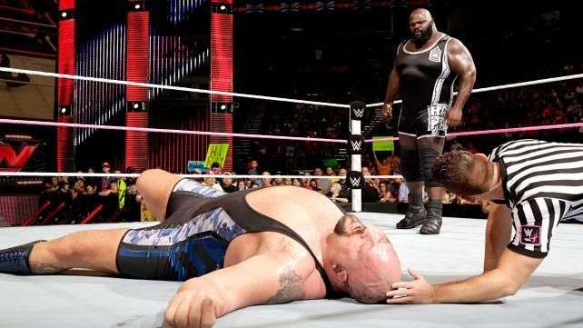 RAW: Mark Henry traiciona a su amigo Big Show