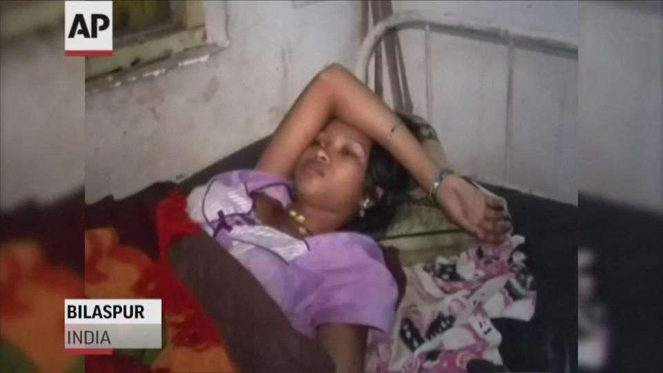 Mueren 12 mujeres en India tras una cirugía de esterilización