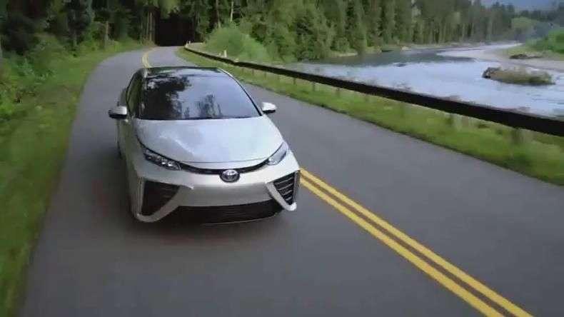 Toyota Mirai, el primer coche de hidrógeno listo en 2015