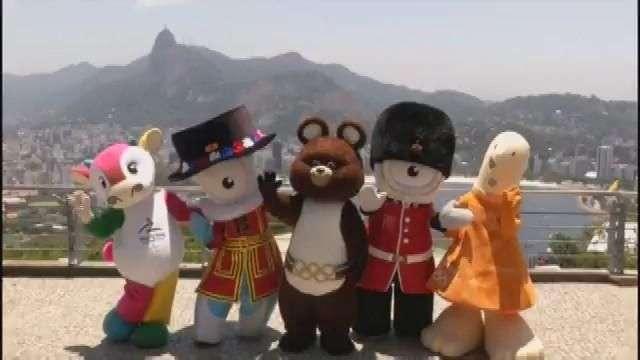 Mascotas olímpicas del pasado viajan a Brasil
