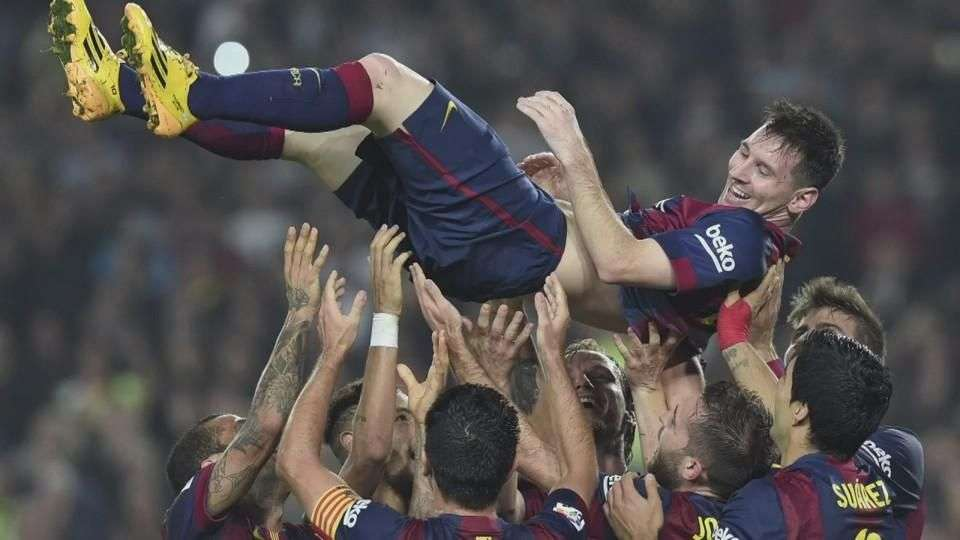 Con triplete, Messi se vuelve el mayor goleador de la Liga Española