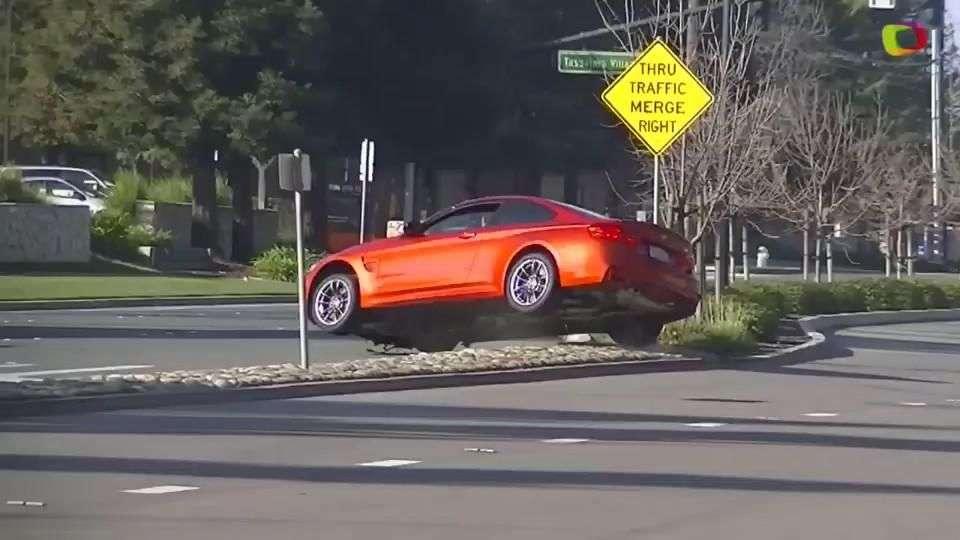 Video: Conductor de BMW M4 pierde control
