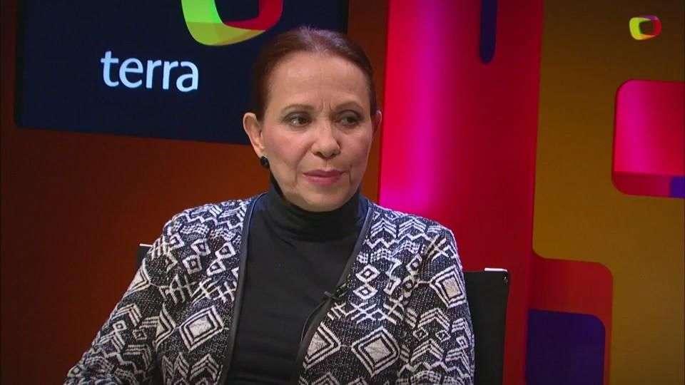 Adriana Barraza da 'cachetadita y terrón de azúcar a 'Buen día Ramón'