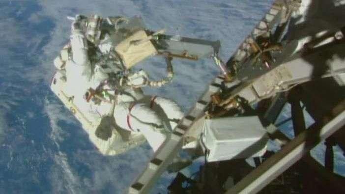 Éxito en la tercera salida orbital de la NASA